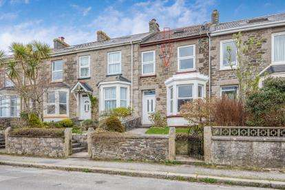 3 Bedrooms Terraced House for sale in Redruth, Cornwall, U.K.