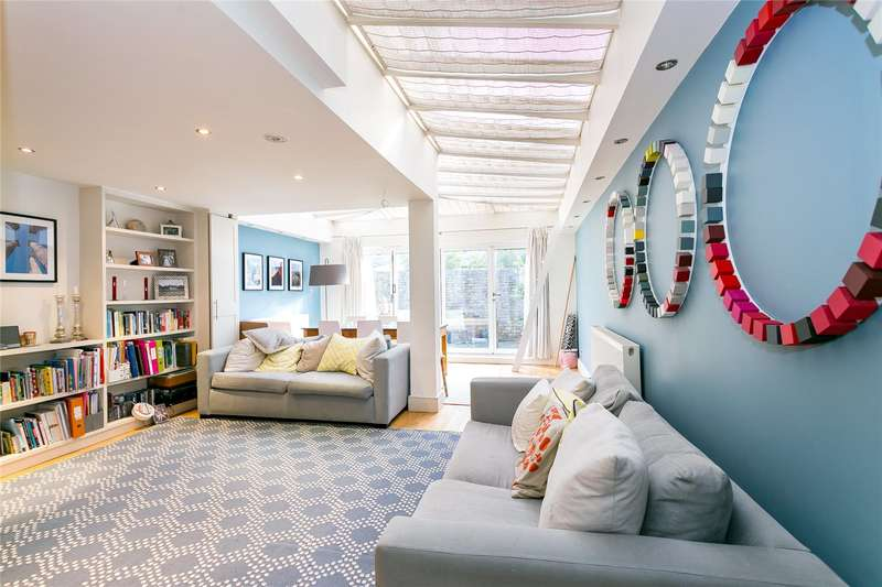 4 Bedrooms Terraced House for sale in Robertson Street, London, SW8