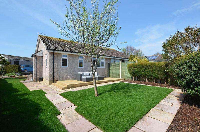2 Bedrooms Semi Detached Bungalow for sale in HENNOCK ROAD ROSELANDS PAIGNTON