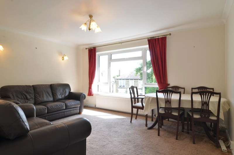 2 Bedrooms Apartment Flat for sale in Doran Court, Castlebar Park, Ealing, London W5