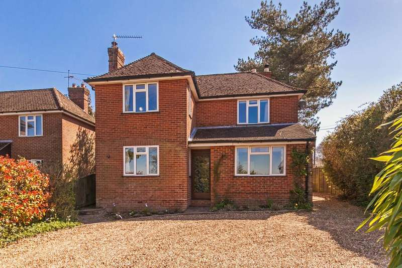 4 Bedrooms Detached House for sale in Seldon Close, Winchester, SO22