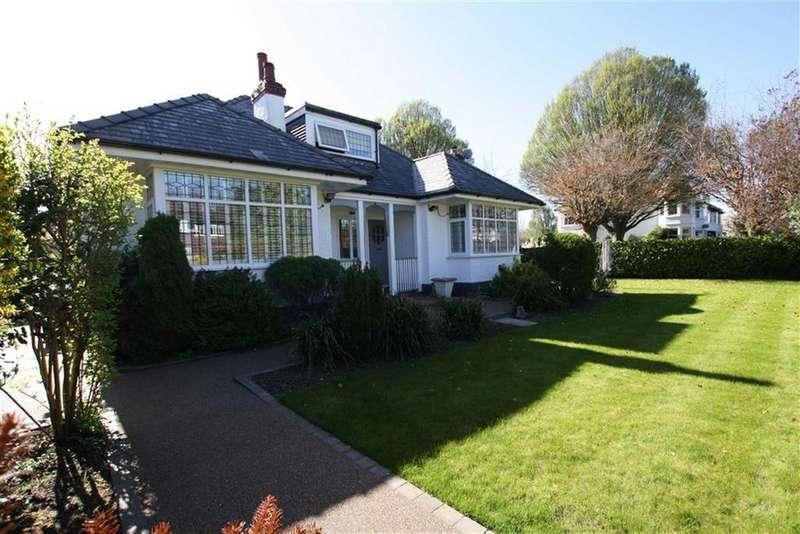 4 Bedrooms Link Detached House for sale in Framingham Road, Sale