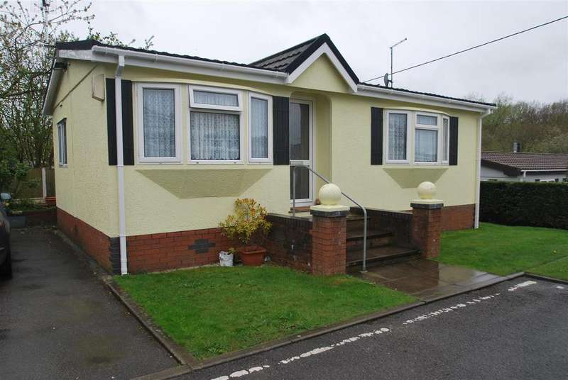 2 Bedrooms Park Home Mobile Home for sale in Delamere Road, Norley