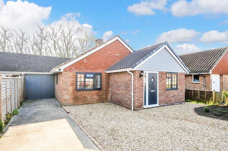 3 Bedrooms Bungalow for sale in Sunnymead Close, Middleton On Sea