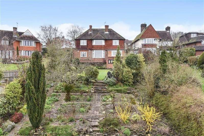 4 Bedrooms Detached House for sale in Poyle Road, Guildford, Surrey, GU1