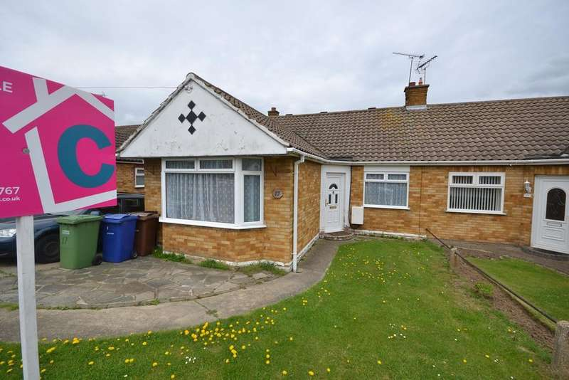 4 Bedrooms Semi Detached Bungalow for sale in Thames Crescent, Corringham, Stanford-le-Hope, SS17