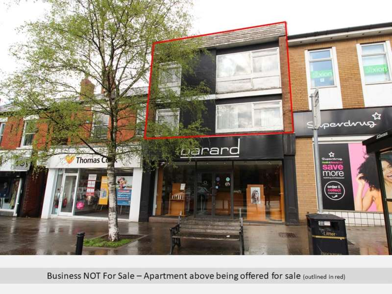 3 Bedrooms Apartment Flat for sale in WOODFORD ROAD, Bramhall
