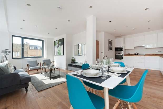 2 Bedrooms Flat for sale in Coldharbour Lane, London