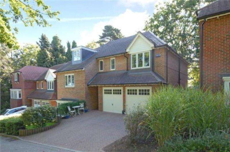 6 Bedrooms Detached House for sale in Redtiles Gardens, Kenley, Surrey