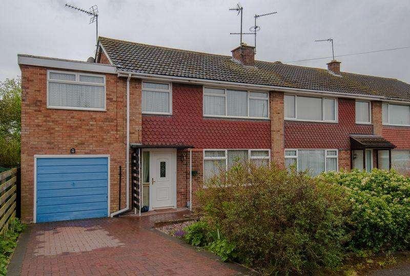 4 Bedrooms Semi Detached House for sale in Queensway, Higham Ferrers