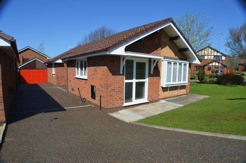 3 Bedrooms Detached Bungalow for sale in Gorsey Way, Ashton-Under-Lyne
