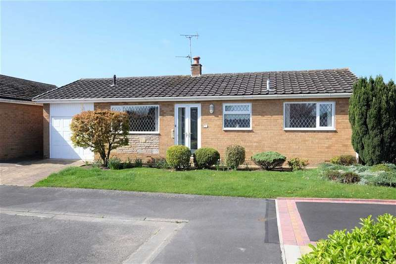 2 Bedrooms Detached Bungalow for sale in Holcroft Place, Lytham