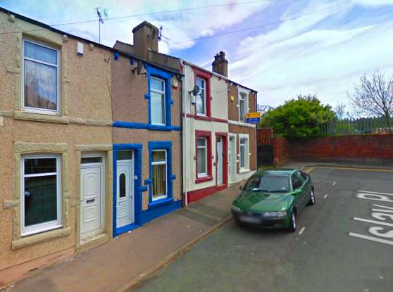 2 Bedrooms Terraced House for sale in Islay Place, Workington, Cumbria, CA14 3XB