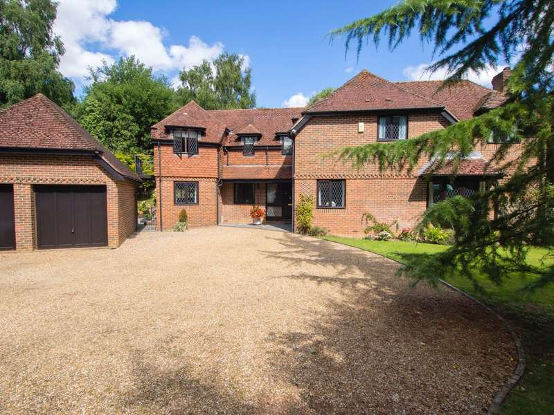 4 Bedrooms Detached House for sale in Haccups Lane, Michelmersh, Romsey, Hampshire, SO51