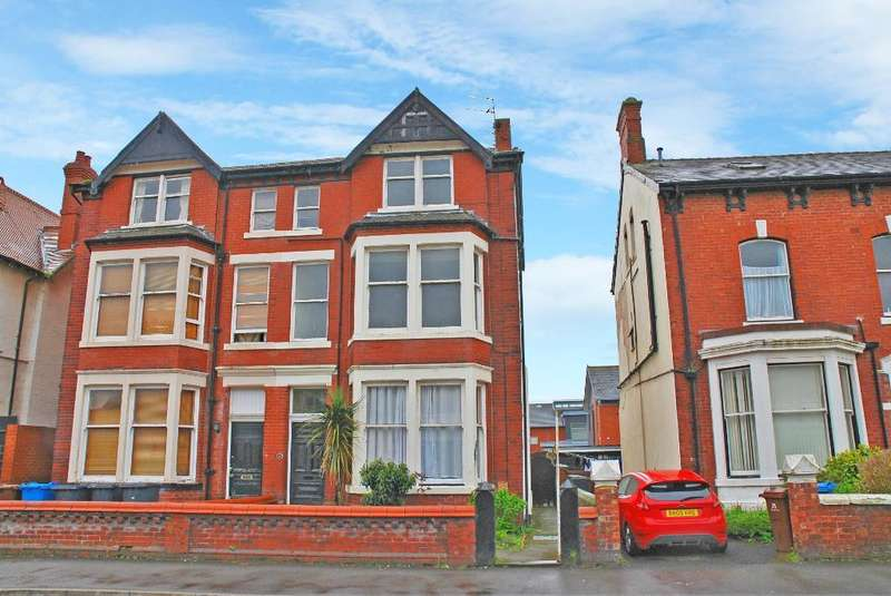 6 Bedrooms Semi Detached House for sale in St Davids Road, St Annes, Lancashire, FY8 2BL