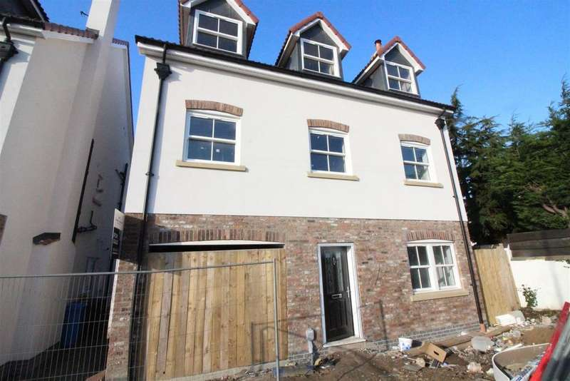 5 Bedrooms House for sale in Main Street, Coniston, Hull