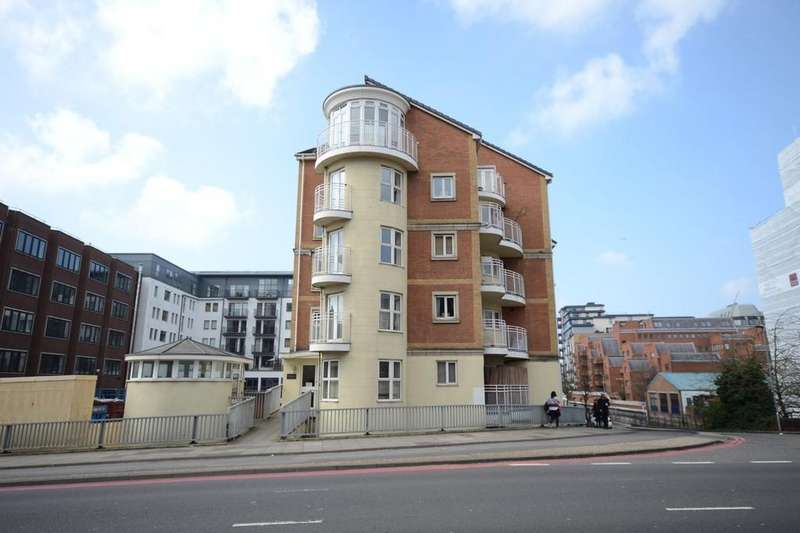 2 Bedrooms Apartment Flat for sale in Kennet Side, Reading