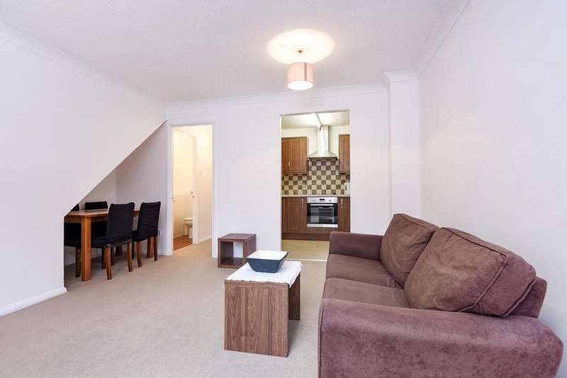 2 Bedrooms Penthouse Flat for sale in Bywater Place, Surrey Quays