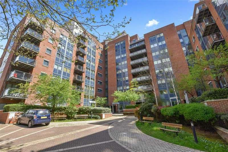 2 Bedrooms Flat for sale in Donnington Court, Donnington Road, Willesden, NW10