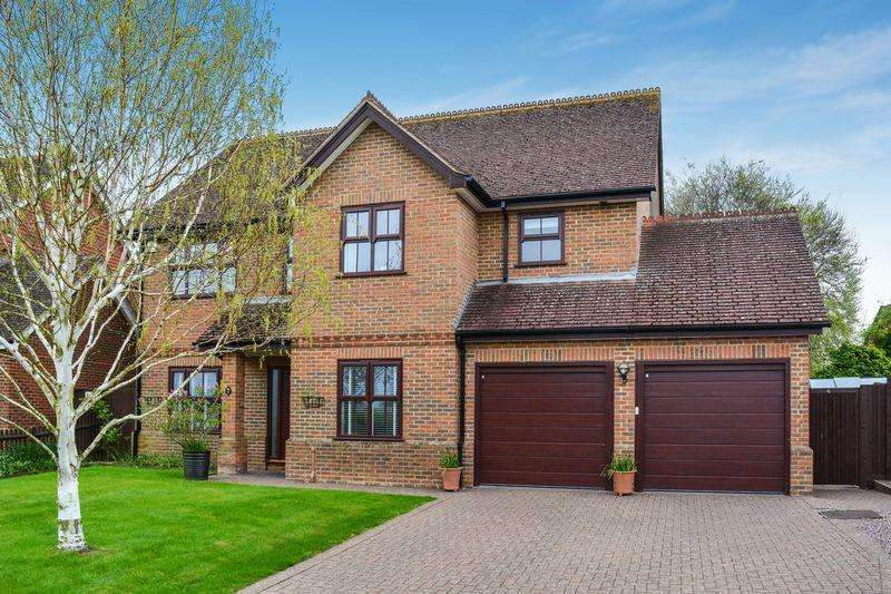 5 Bedrooms Detached House for sale in Monks Risborough