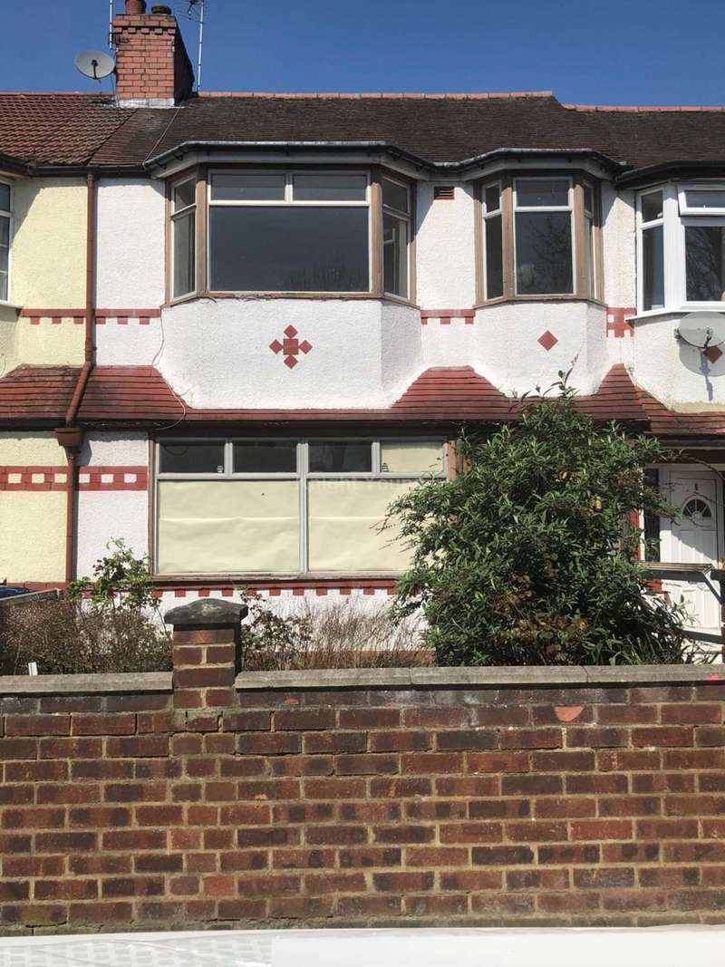 3 Bedrooms House for sale in Cleveley Crescent, London