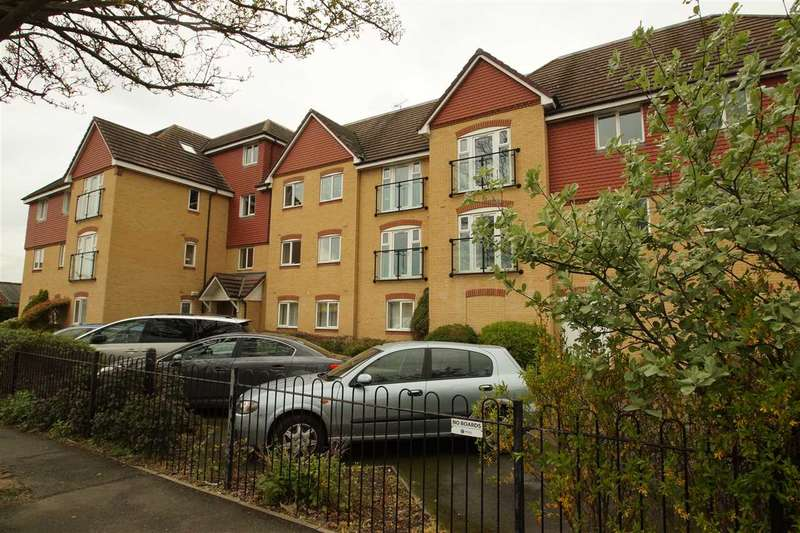 2 Bedrooms Apartment Flat for sale in Charlcot Mews, Cippenham, Slough