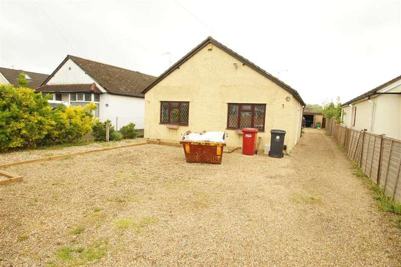 2 Bedrooms Bungalow for sale in Royston Way, Burnham