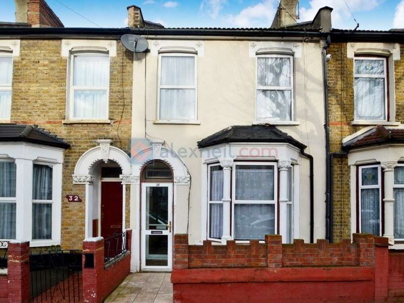 3 Bedrooms Terraced House for sale in Waghorn Road, East Ham E13