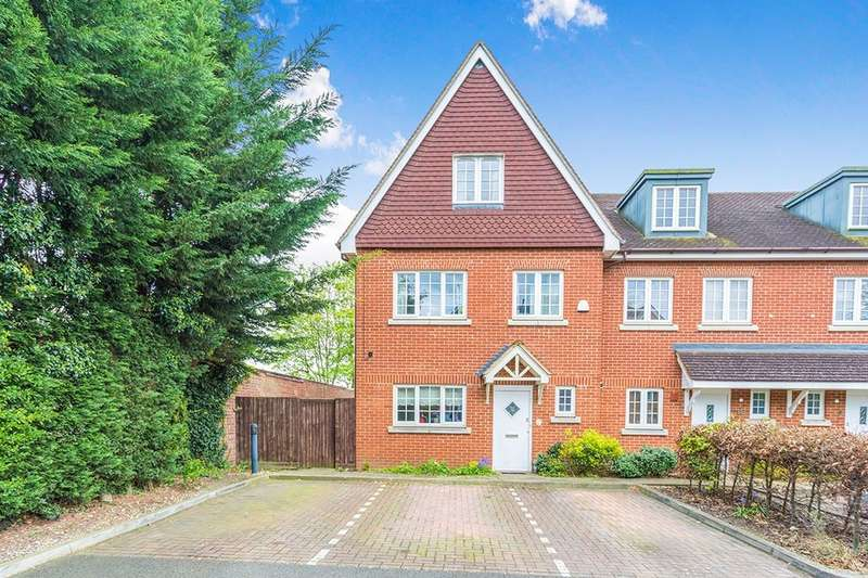 4 Bedrooms Semi Detached House for sale in Rickmansworth Road, Watford, WD18