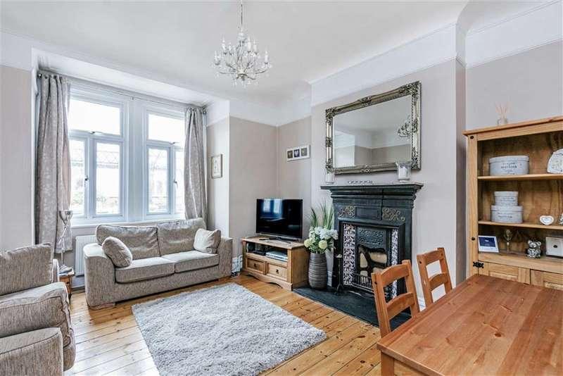 2 Bedrooms Flat for sale in Crowborough Road, Furzedown