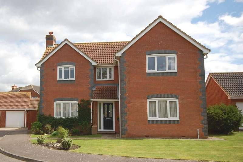 4 Bedrooms Detached House for sale in Wellington Road, Briston