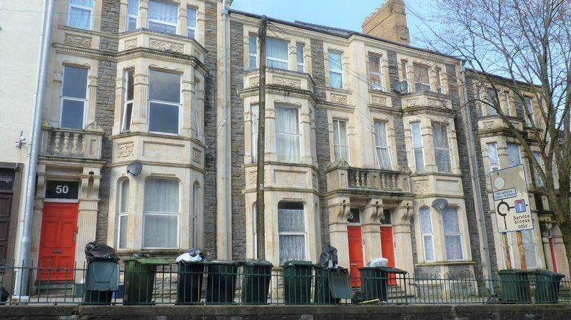 12 Bedrooms Block Of Apartments Flat for sale in Investment property, 4 Terraced Townhouses split into 12 Flats, fully Let
