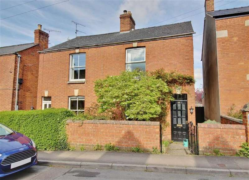 2 Bedrooms Semi Detached House for sale in Burdett Road, Stonehouse, Gloucestershire