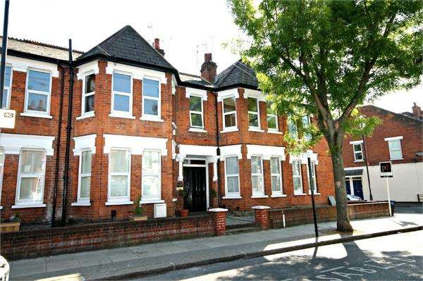 2 Bedrooms Flat for sale in Chapter Road, Willesden Green