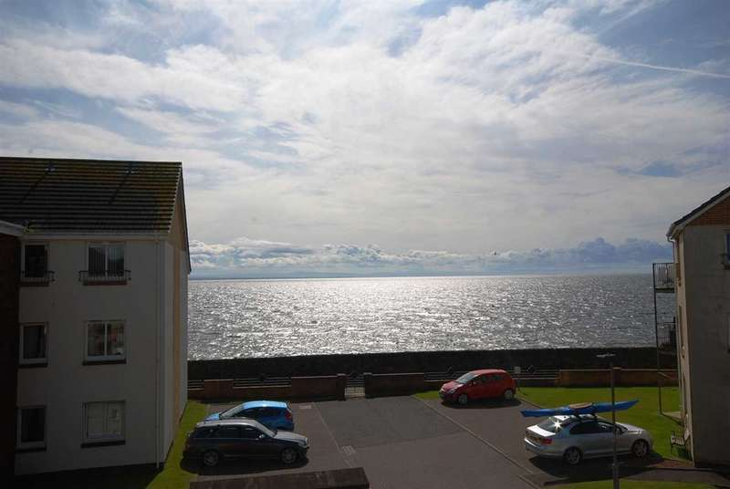 2 Bedrooms Apartment Flat for sale in Harbour Point, Saltcoats