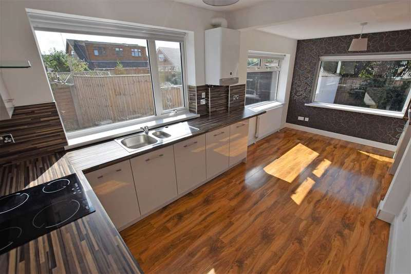 2 Bedrooms Bungalow for rent in Turnberry Avenue, Thornton Cleveleys