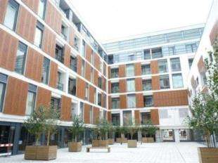 2 Bedrooms Flat for sale in Cornell Square, Wandsworth Road, London