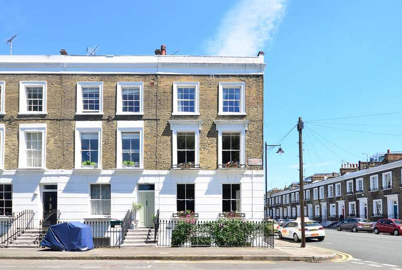 2 Bedrooms Flat for sale in Arlington Square, Islington, N1
