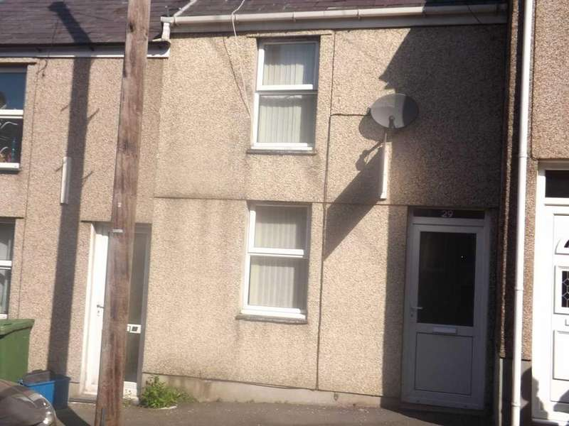 2 Bedrooms Terraced House for rent in Hendre Street, Caernarfon