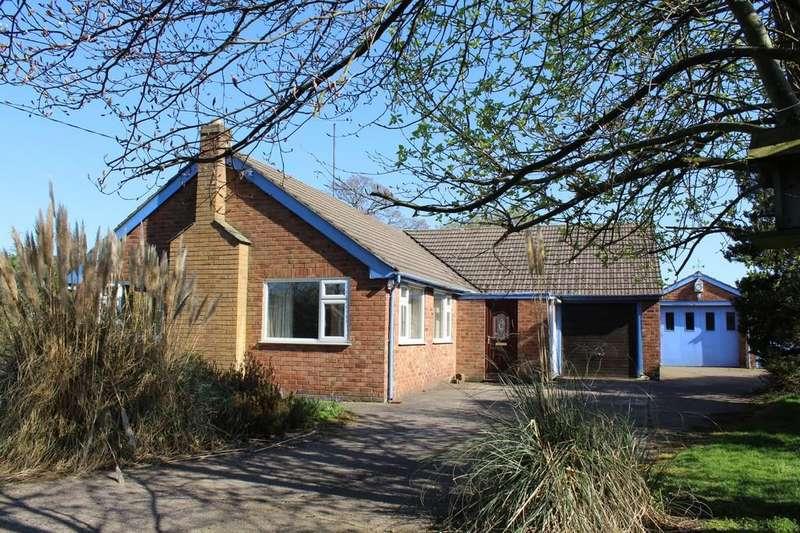 3 Bedrooms Detached Bungalow for sale in Capenhurst Lane, Capenhurst, Chester