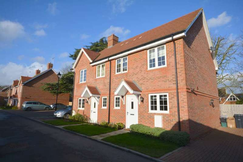 3 Bedrooms Semi Detached House for sale in Brudenell Close, Amersham HP6