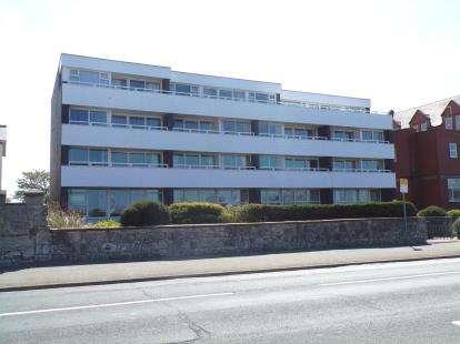 2 Bedrooms Flat for sale in Glendower Court, Rhyl, Denbighshire, LL18