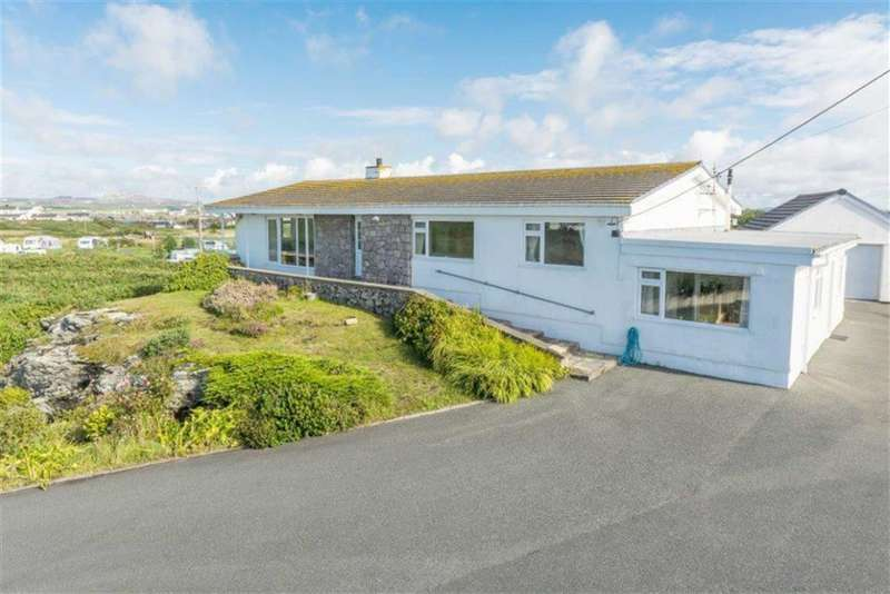 5 Bedrooms Detached Bungalow for sale in Ravenspoint Road, Trearddur Bay, Holyhead