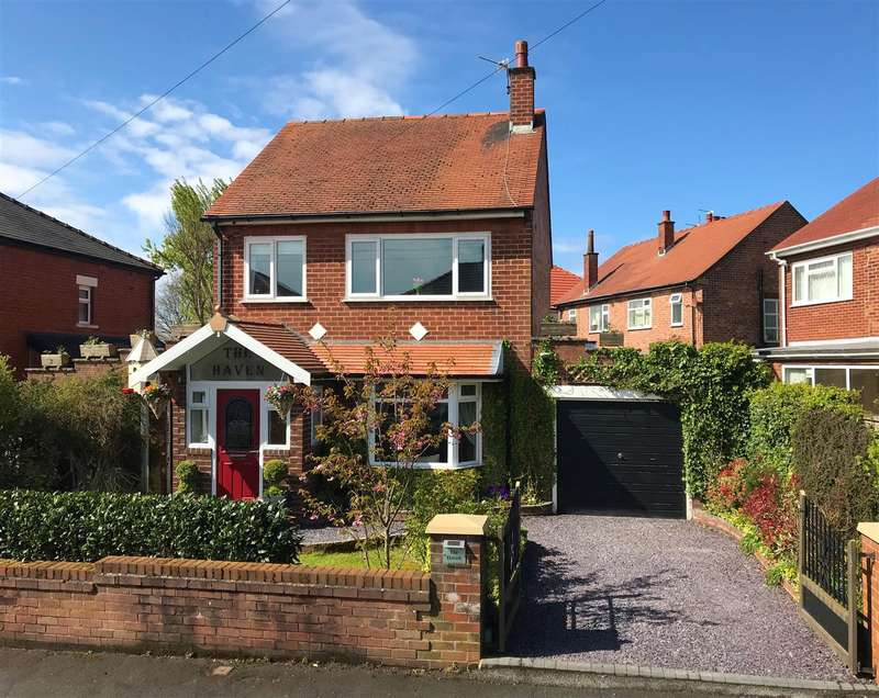 3 Bedrooms Detached House for sale in Bedford Road, Lytham