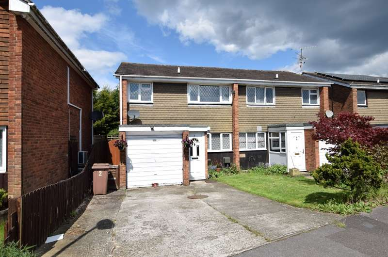 3 Bedrooms Semi Detached House for sale in Devitt Close, Reading, RG2