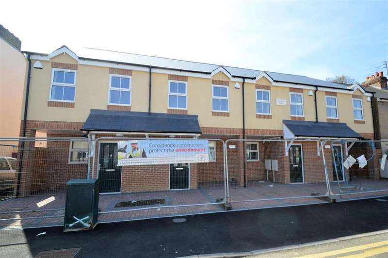 3 Bedrooms House for sale in Trinity Road, Gillingham