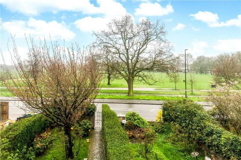 4 Bedrooms Maisonette Flat for sale in Clapham Common North Side, Clapham, SW4