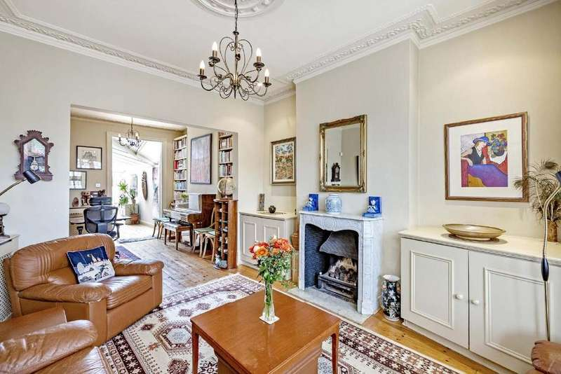 4 Bedrooms Terraced House for sale in St. Dunstans Road, Barons Court