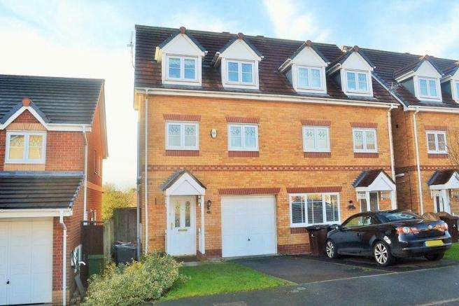 4 Bedrooms Semi Detached House for sale in Kendal Road, Kirkby, Liverpool