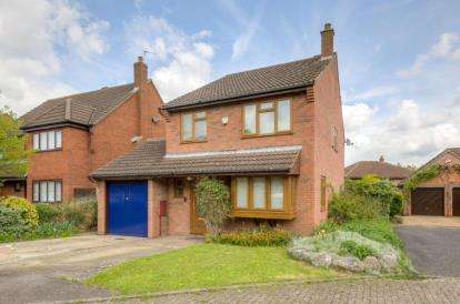 4 Bedrooms Detached House for sale in Burewelle, Two Mile Ash, Milton Keynes